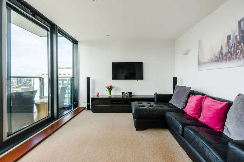 2 Bedrooms Flat for sale in Elektron Tower, Canary Wharf, E14