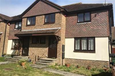4 Bedrooms Semi Detached House for rent in Vicarage close