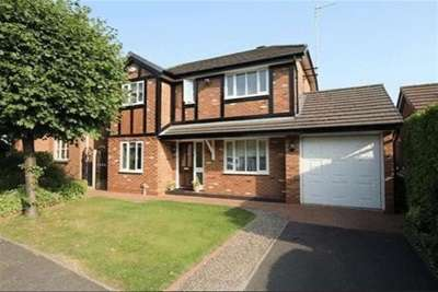 3 Bedrooms Detached House for rent in Ambleside Road, L18 9XT