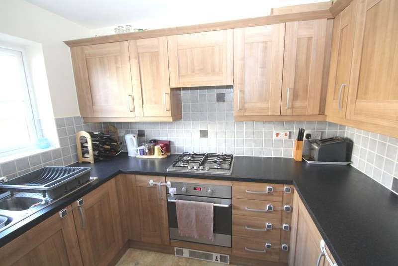 2 Bedrooms Terraced House for sale in Cunningham Avenue, Portsmouth PO2