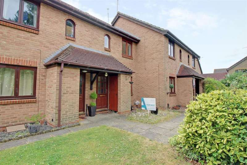2 Bedrooms Terraced House for sale in Bentley Drive, Church Langley