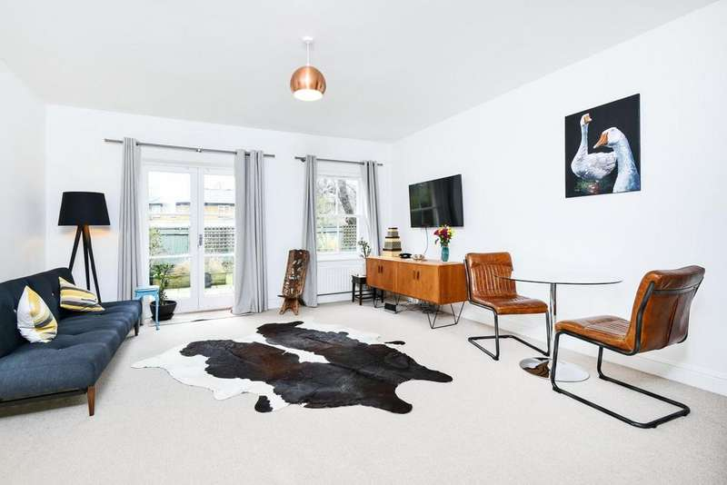 3 Bedrooms Flat for sale in Ravensbourne Road, Catford