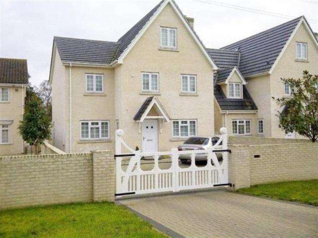 6 Bedrooms Detached House for rent in Turnpike Road, Red Lodge