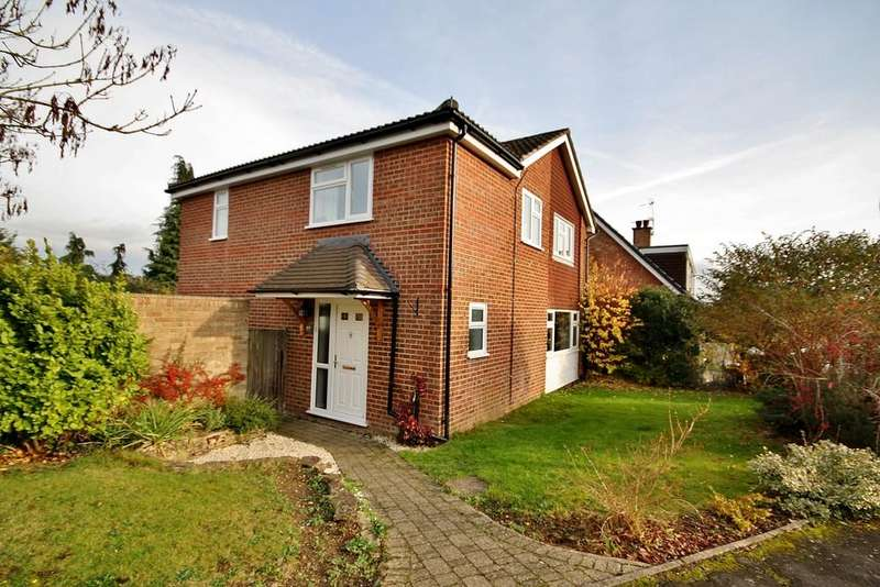 4 Bedrooms Detached House for sale in Ripley, Surrey