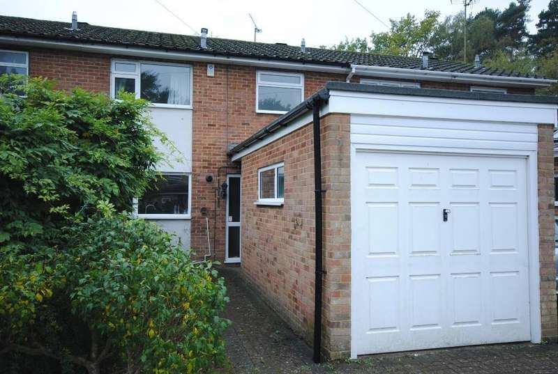 3 Bedrooms Terraced House for sale in Kinross Avenue, South Ascot