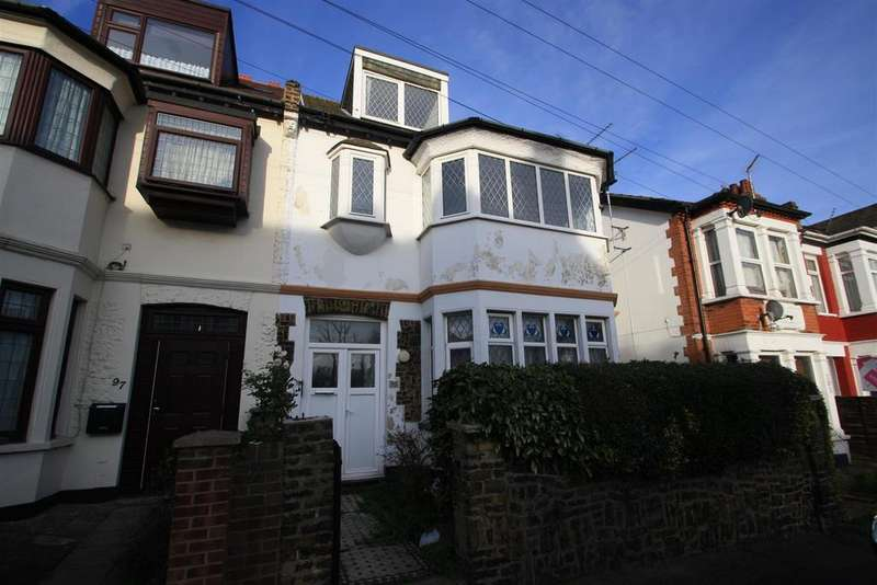 6 Bedrooms Semi Detached House for sale in St. Helens Road, Westcliff-On-Sea