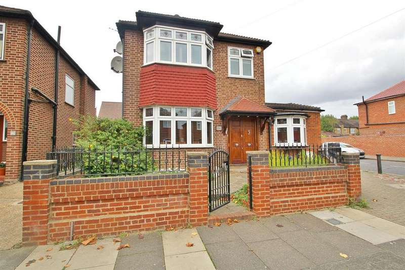 3 Bedrooms Detached House for sale in Amberley Road, Enfield