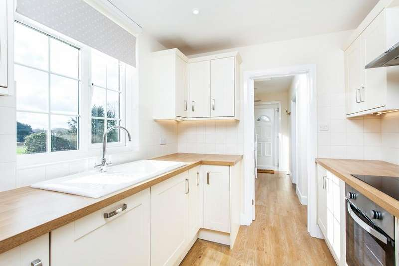 3 Bedrooms Cottage House for rent in Crawley, Winchester, SO21