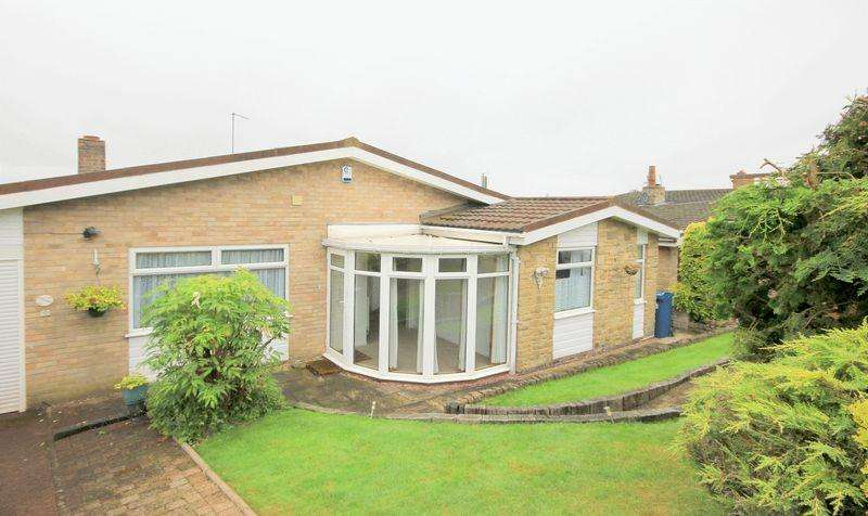 2 Bedrooms Detached Bungalow for sale in Kings Drive, Hopton