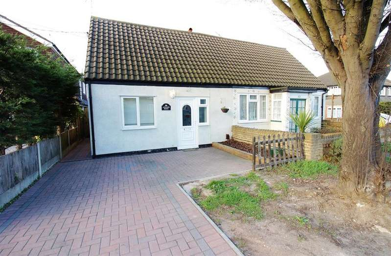 2 Bedrooms Chalet House for rent in London Road, Benfleet