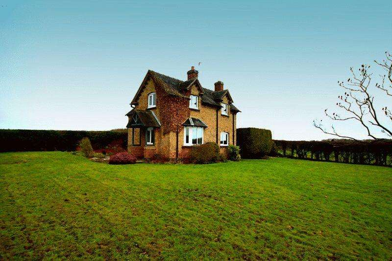 3 Bedrooms Cottage House for rent in Gnosall Road, Knightley, Stafford