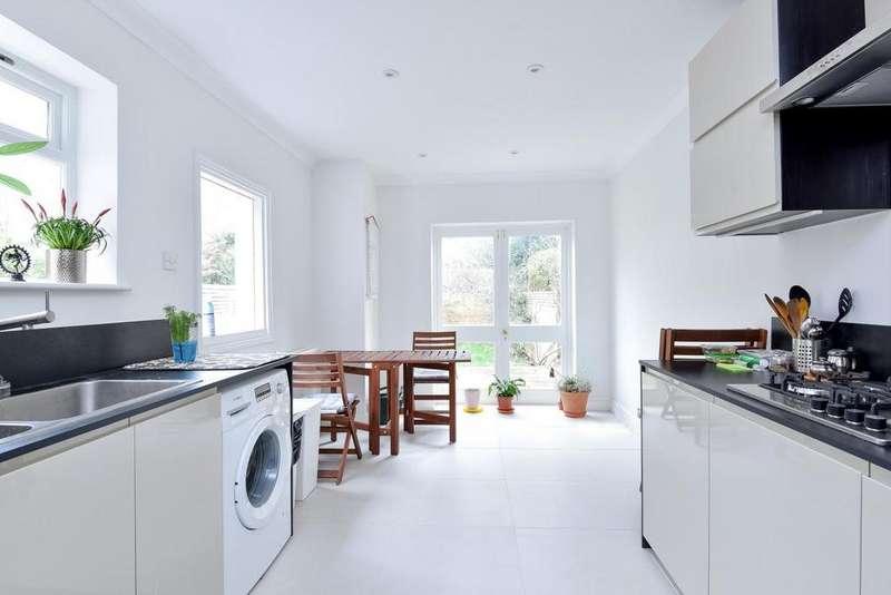 3 Bedrooms Terraced House for sale in Barratt Avenue, Wood Green