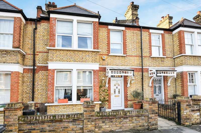 4 Bedrooms Terraced House for rent in Chalcroft Road Hither Green SE13