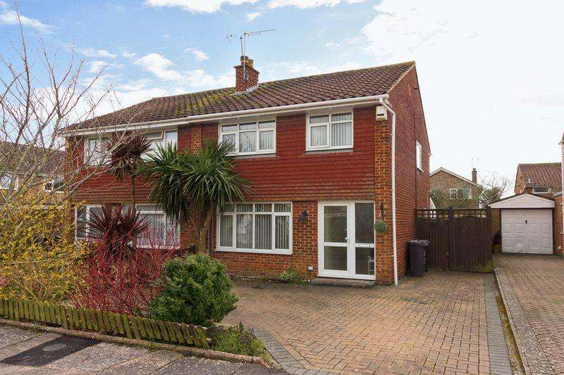 3 Bedrooms Semi Detached House for sale in Harting Close, Goring-By-Sea