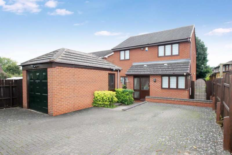 4 Bedrooms Detached House for rent in Walkwood Road, Redditch, B97 5NX