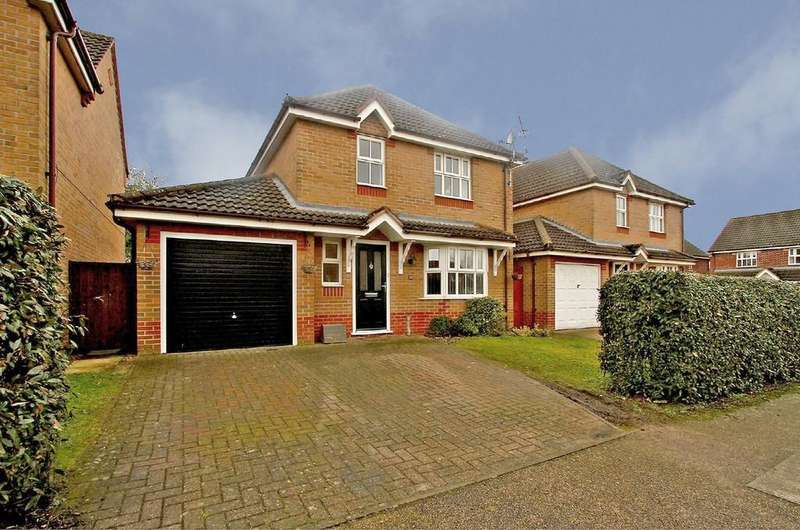 4 Bedrooms Detached House for sale in Teasel Road, Attleborough