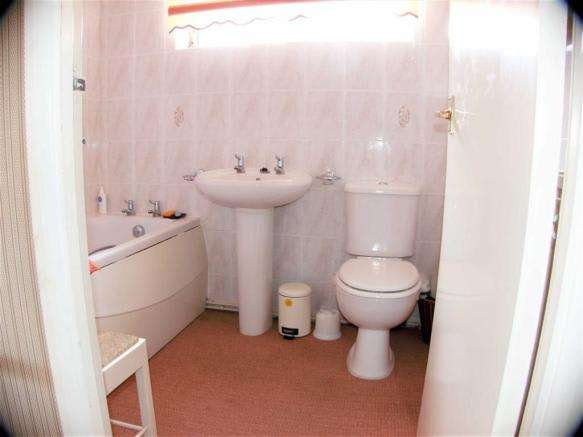 2 Bedrooms Property for sale in Chafeys Avenue, Weymouth, Dorset
