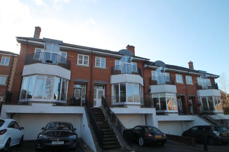 5 Bedrooms Terraced House for rent in Cambridge Square, Royal Earlswood Park, Redhill