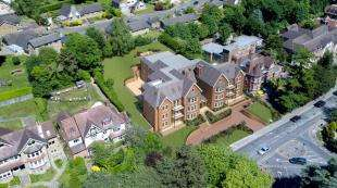 2 Bedrooms Maisonette Flat for sale in Verdun Heights, 14-16 Foxley Lane, West Purley