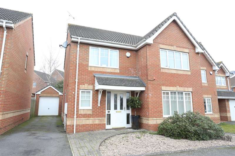 4 Bedrooms Detached House for sale in Soane Close, Wellingborough