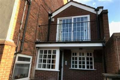 2 Bedrooms House for rent in Park Crescent, Southport
