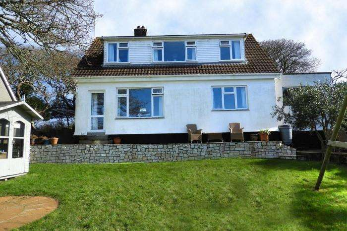 4 Bedrooms Town House for sale in CHY RYN, BONALLACK LANE, GWEEK, TR12