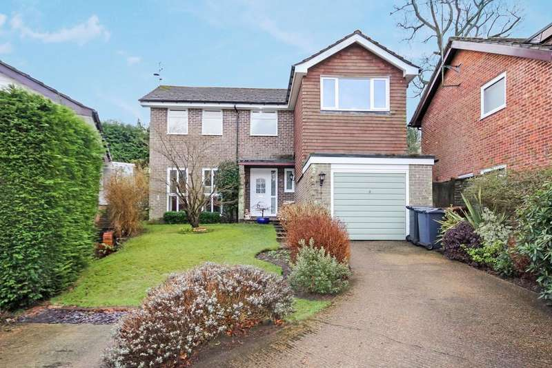 4 Bedrooms Detached House for sale in Coopers Wood, Crowborough