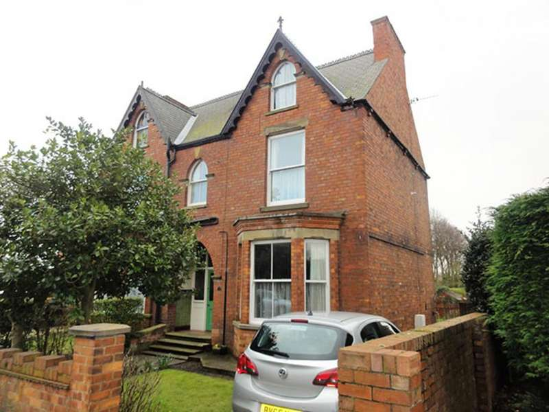 3 Bedrooms Semi Detached House for sale in Hailgate, Howden
