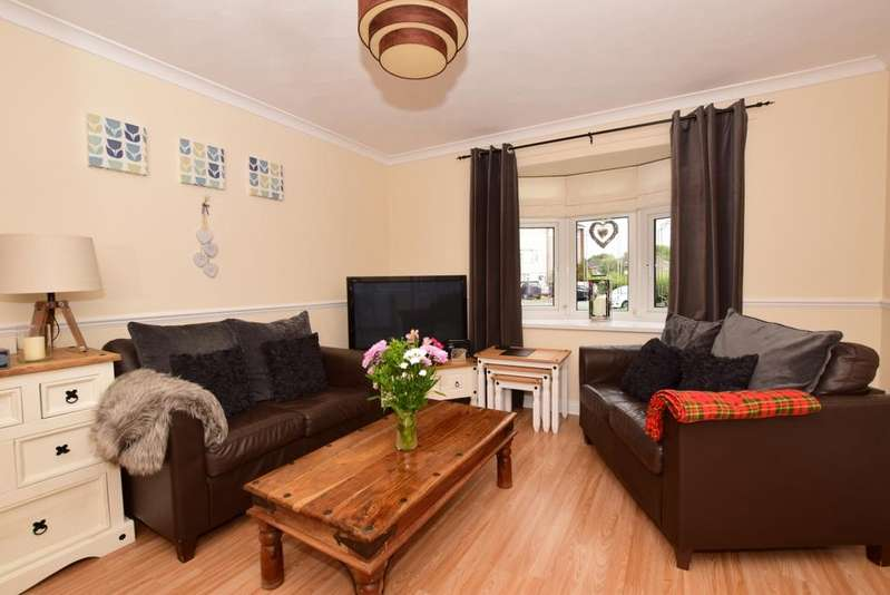 3 Bedrooms Terraced House for rent in The Gore Basildon SS14