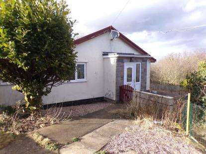 2 Bedrooms Bungalow for sale in Pen Y Pylle, Holywell, Clwyd, CH8