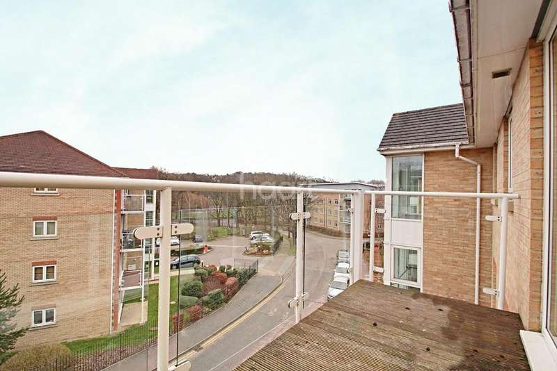2 Bedrooms Flat for sale in New Bedford Road Area
