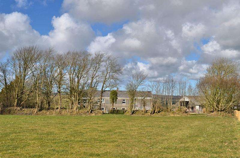 6 Bedrooms Land Commercial for sale in Dunston Park , Pelcomb Cross, Haverfordwest, Pembrokeshire. SA62 6EB