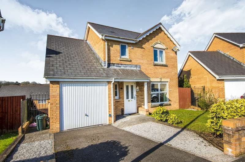 4 Bedrooms Detached House for sale in Llwyn Teg, Fforestfach, Swansea
