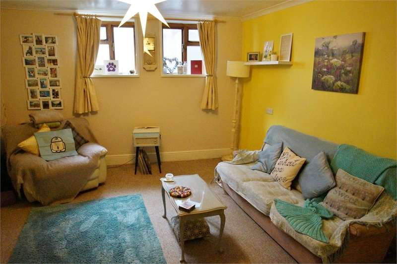 1 Bedroom Flat for sale in CA12 5AP St Johns Street, Keswick, Cumbria
