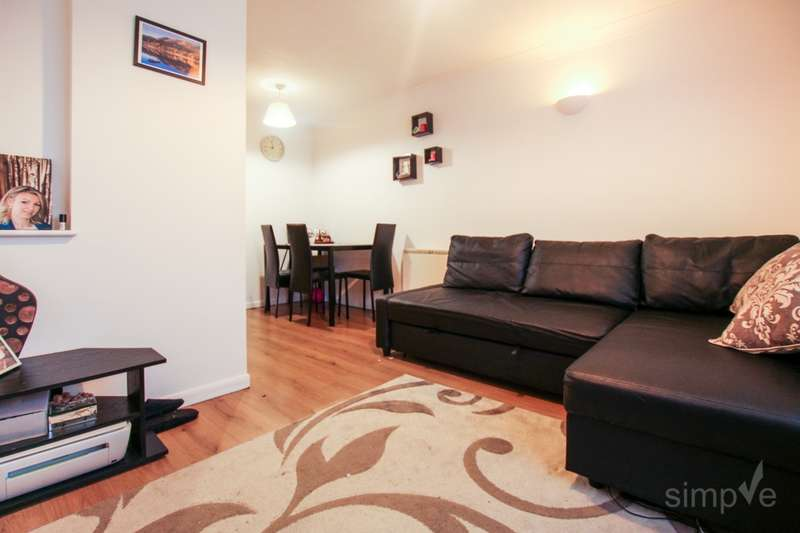 1 Bedroom Flat for sale in Marina Approach, Hayes, UB4