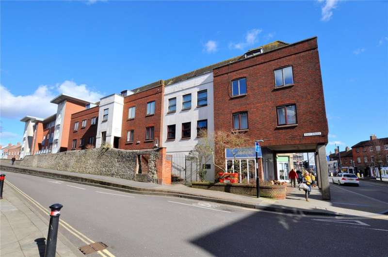 2 Bedrooms Apartment Flat for sale in Sharp Garland House, East Walls, Chichester, West Sussex, PO19