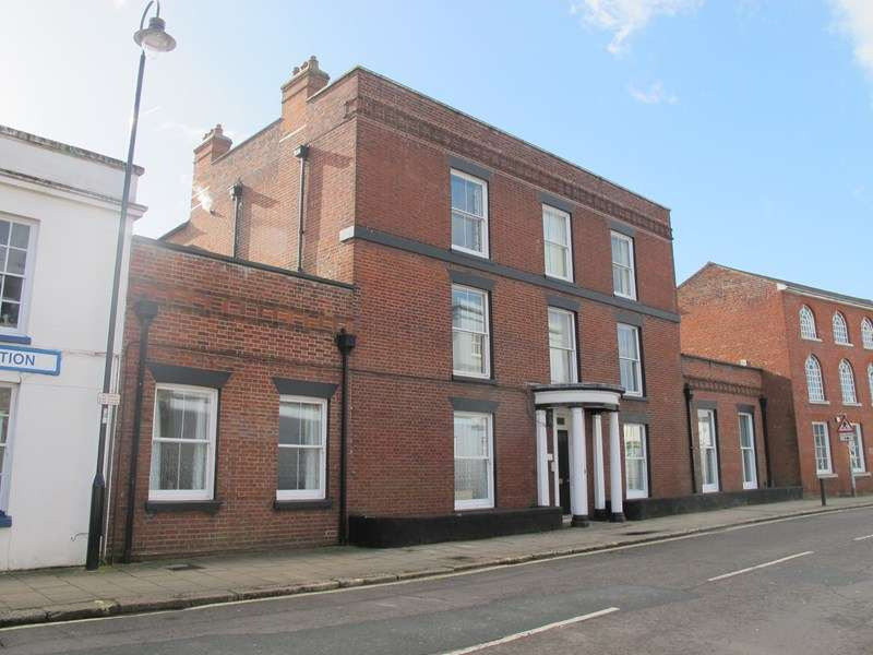 2 Bedrooms Apartment Flat for sale in East Street, Fareham