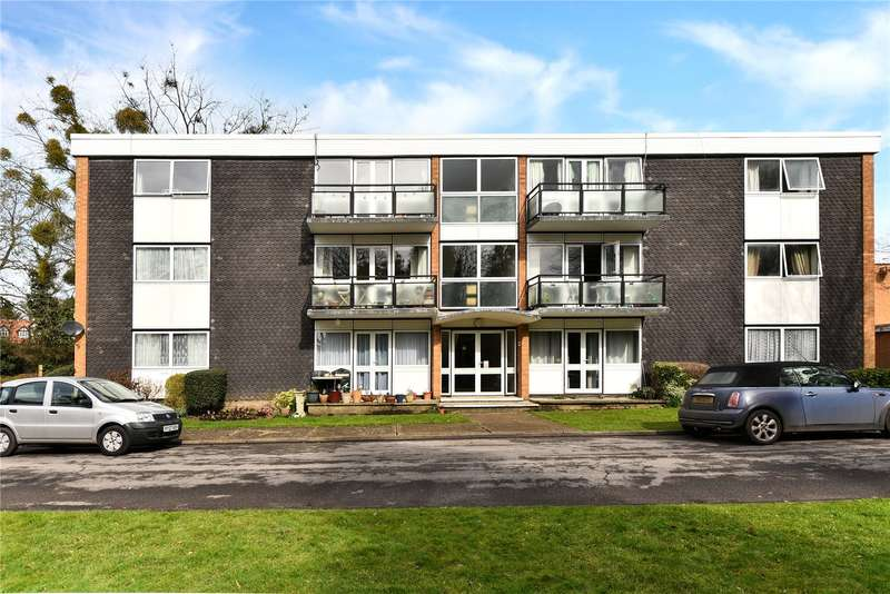 2 Bedrooms Apartment Flat for sale in West End Court, West End Lane, Stoke Poges, Buckinghamshire, SL2