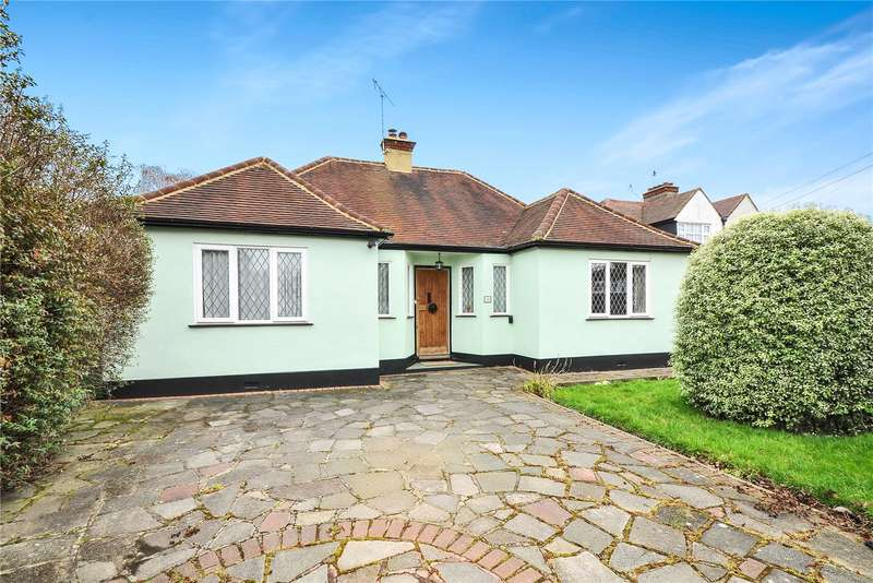 3 Bedrooms Detached Bungalow for sale in Downs Avenue, Pinner, HA5
