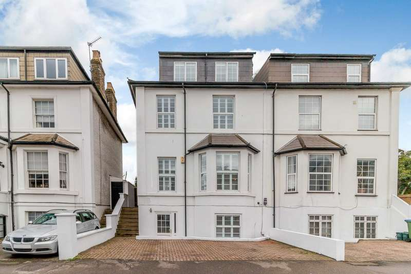 5 Bedrooms Semi Detached House for rent in Thames Ditton