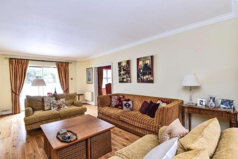 5 Bedrooms Detached House for sale in Arkley, Hertfordshire, EN5
