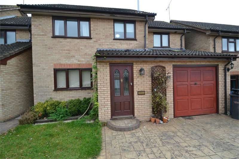4 Bedrooms Detached House for rent in Hardy Close, Brantham, Manningtree, Suffolk