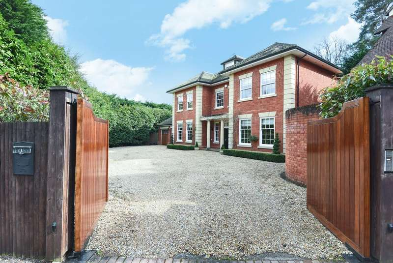 5 Bedrooms Detached House for sale in Friary Road, Ascot, SL5