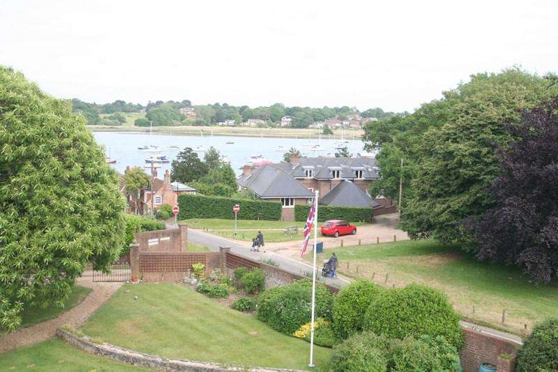 3 Bedrooms Apartment Flat for sale in Green Lane, Southampton
