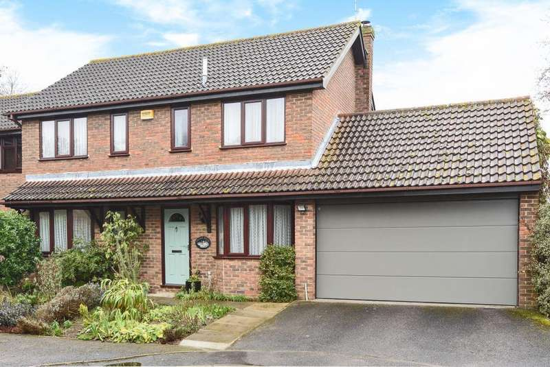 4 Bedrooms Detached House for sale in Oliffe Close, Aylesbury, HP20