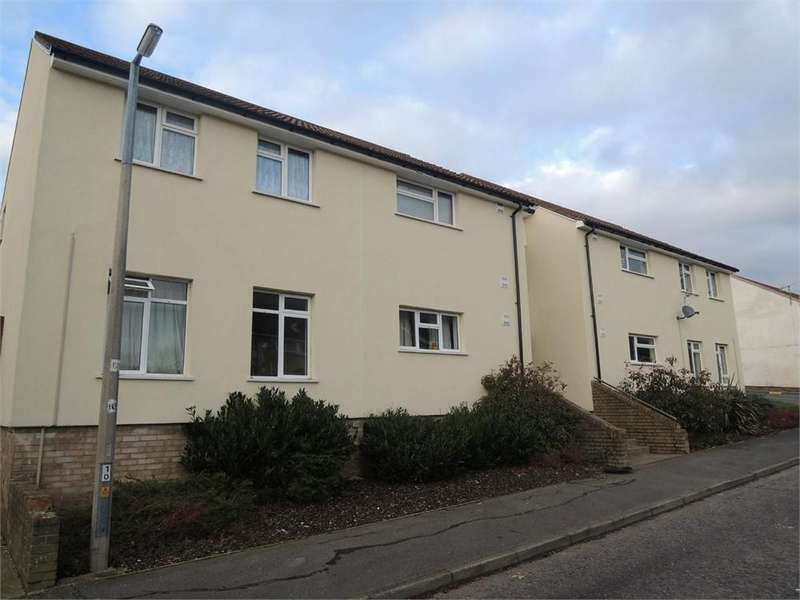 2 Bedrooms Flat for sale in Titania Close, Colchester, Essex