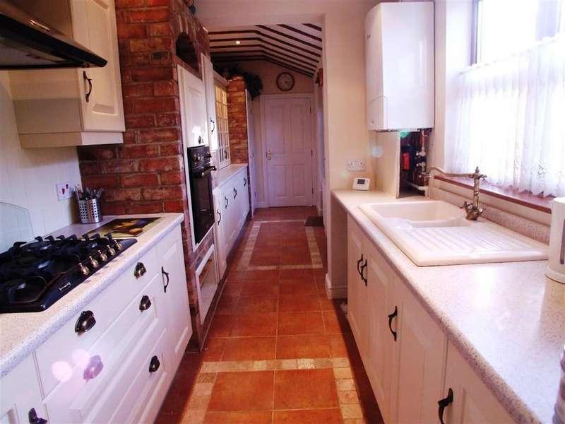3 Bedrooms Semi Detached House for rent in Seas End Road, Surfleet, Spalding