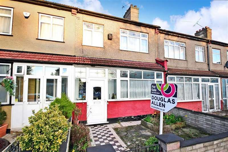 3 Bedrooms Terraced House for sale in Littlemoor Road, Ilford, Essex