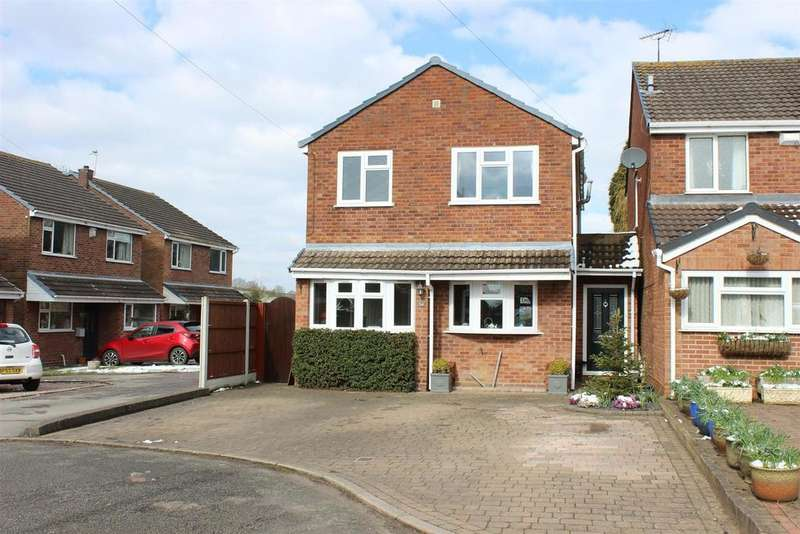 3 Bedrooms Detached House for sale in Ivy Croft Road, Warton, Tamworth
