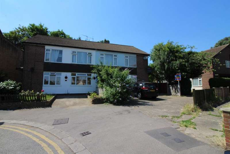 2 Bedrooms Maisonette Flat for sale in Derby Road, Enfield